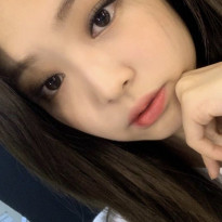 - jennie  discovered by ????????????????????   border=